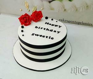 Sensational Birthday Cake For Slay Queens In Kubwa Party Catering Event Funny Birthday Cards Online Elaedamsfinfo
