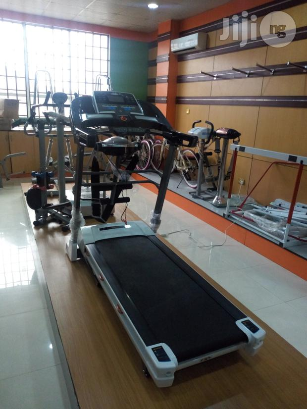 Brand New 2.5hp Treadmill With Massager