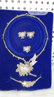 Flower Petals Encrusted 4-In-1 Set | Jewelry for sale in Lagos State, Ikotun/Igando