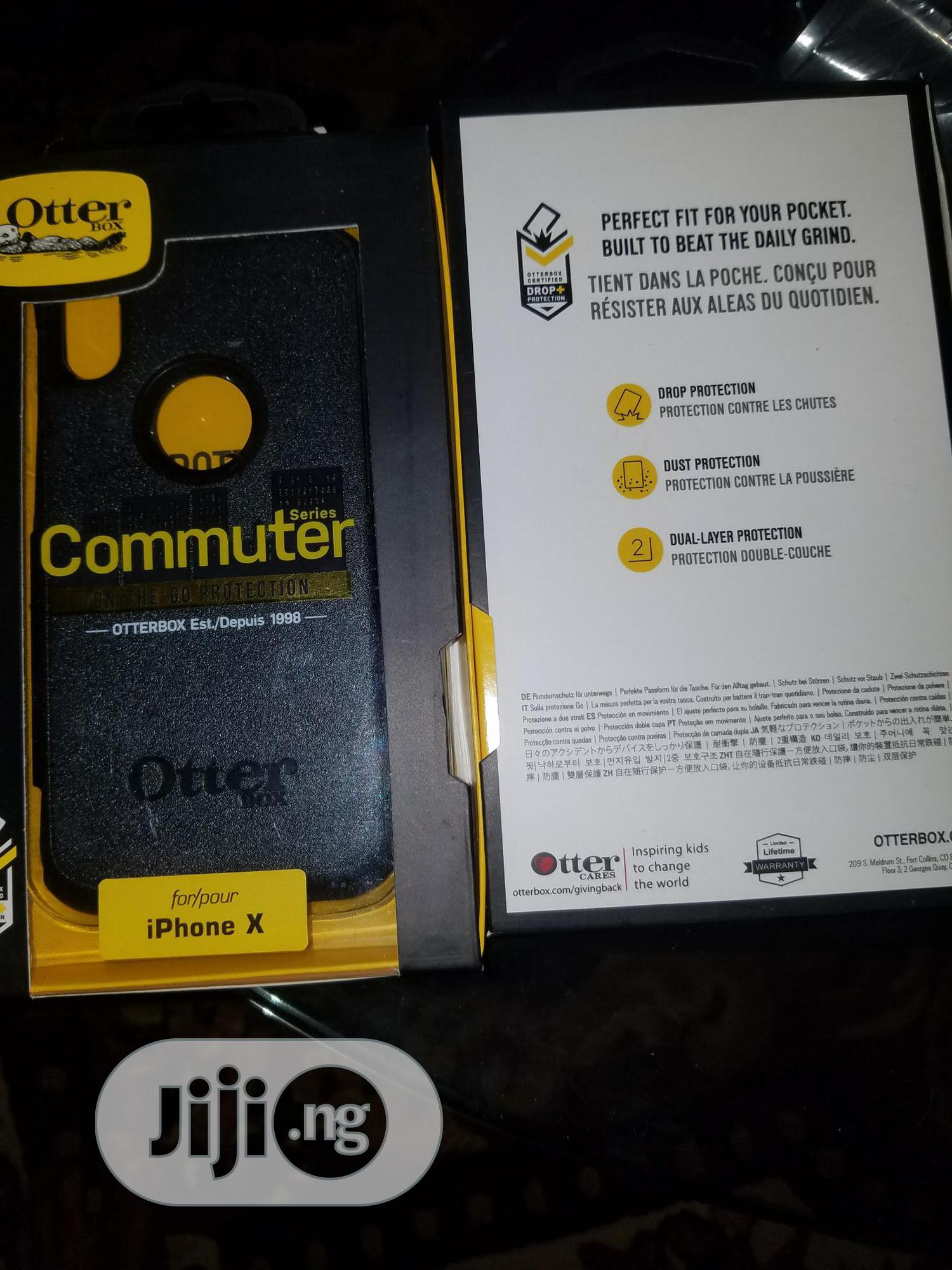 Archive: iPhone XS Otterbox Commuter Case