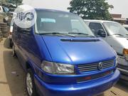 Delivering Volkswagen Transporter 2004 Blue | Buses & Microbuses for sale in Lagos State