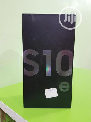 New Samsung Galaxy S10e 128 GB Black