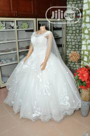 Wedding Gown for Rent With Veil, Basket,Tiara,Bouquet, Robe | Wedding Wear for sale in Lagos State, Magodo