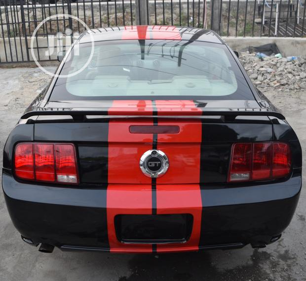 Ford Mustang 2006 GT Deluxe Coupe Black In Lekki Phase 2