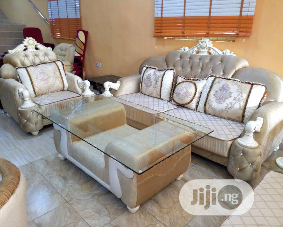 High Qualy Fabric Sofa With Center Table