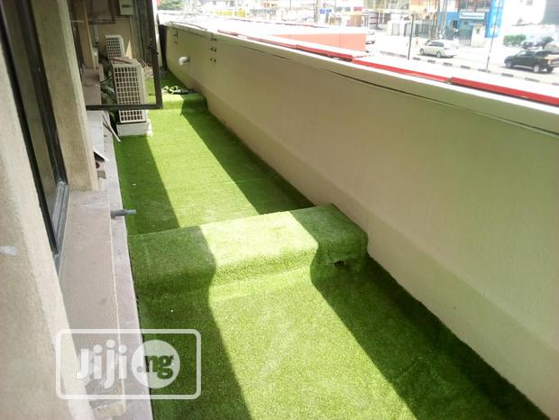 Transform Your Sidewalk And Walkways View With Artificial Grass