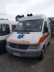 Foreign Used Mercedes Benz Sprinter Ambulance 2005 White | Buses & Microbuses for sale in Lagos State, Surulere
