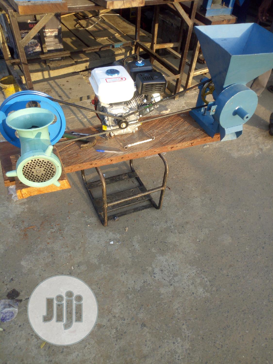 Fish Meal Grinding Machine