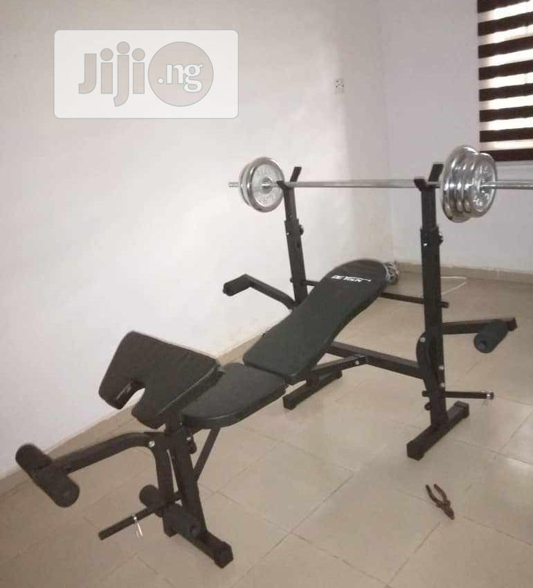 Weight Bench With 5okg Dumbbell