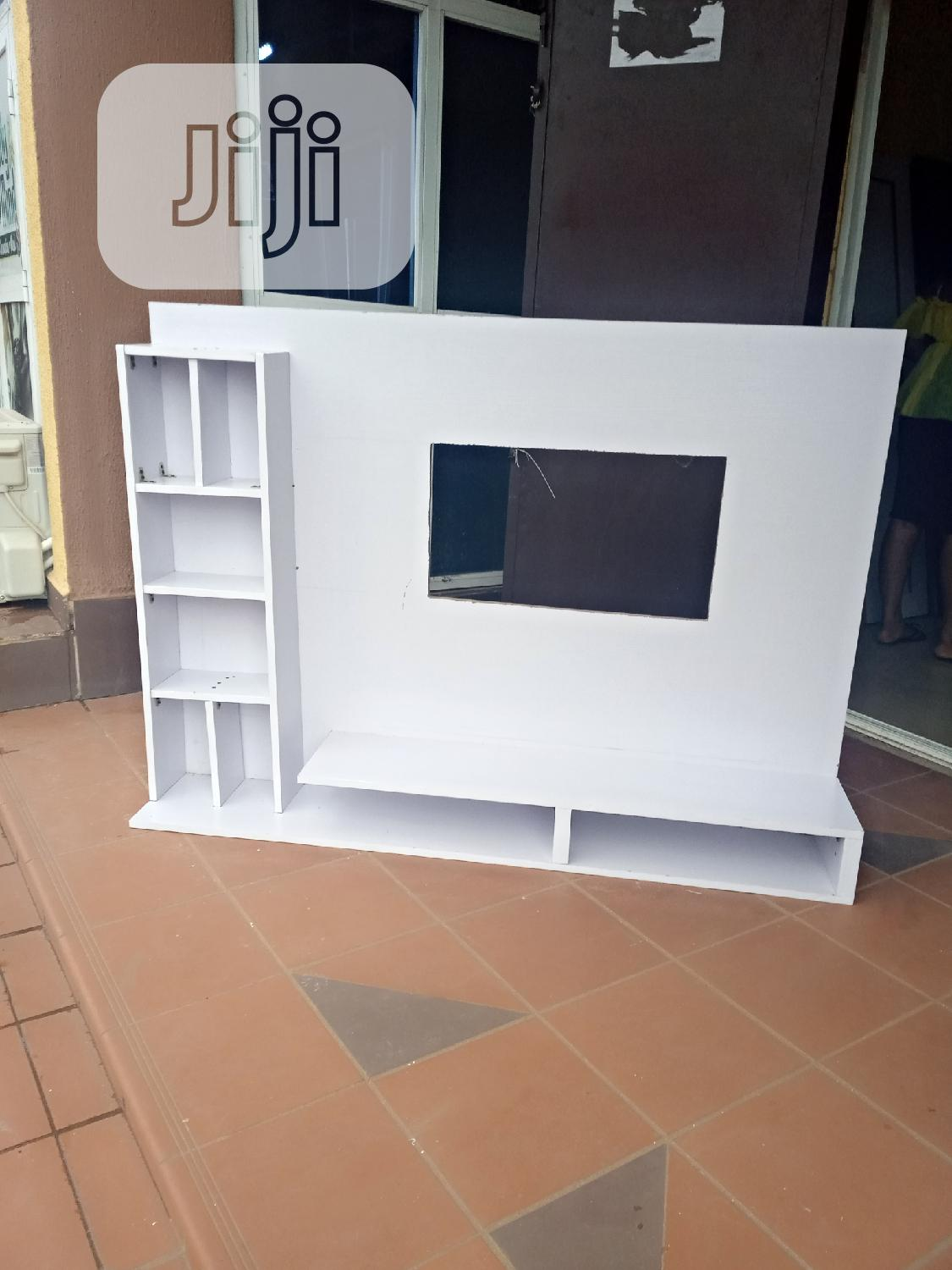 Archive: Stabdard Tv Stand