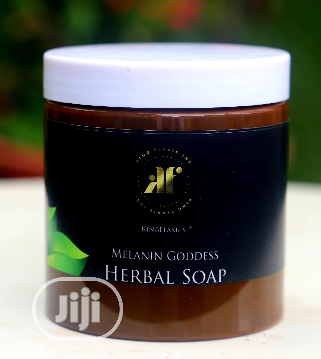 ( Naturally Made -Whole Herbal ) Super Whitening Black Soap