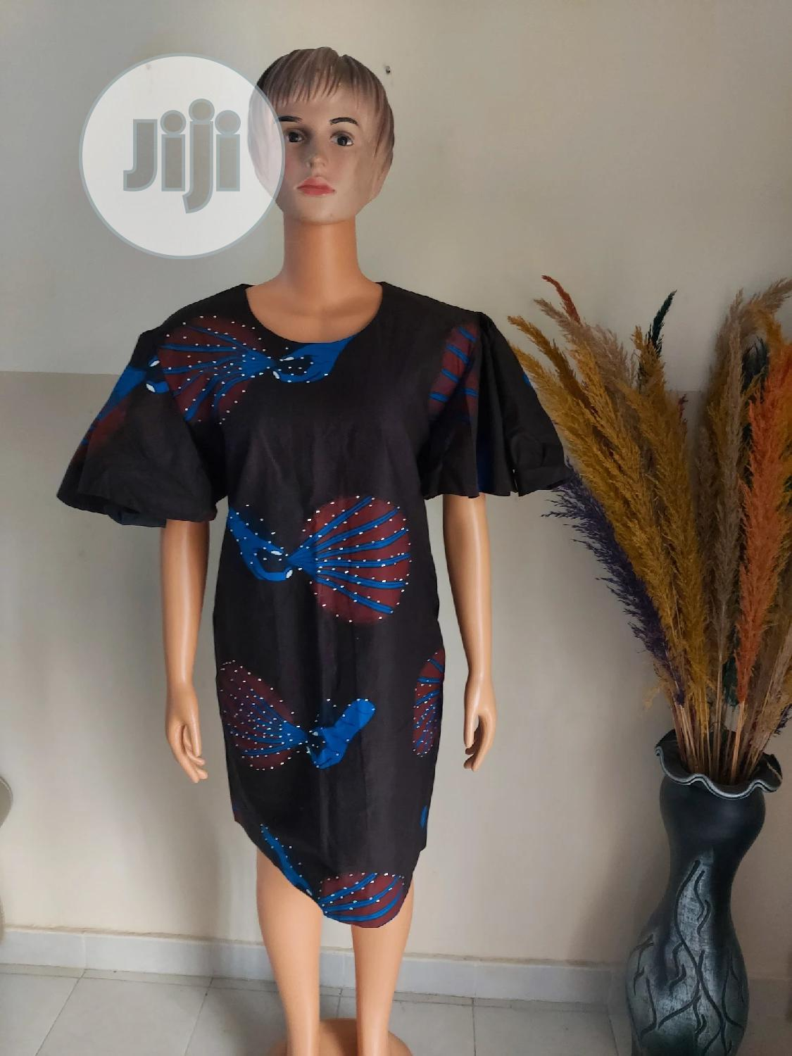 Tamaar's Stitches Short Fully Lined Gown