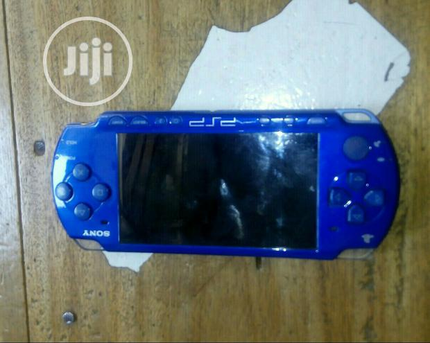 London Used Sony Psp Model 3000 Woth Downloaded Games In