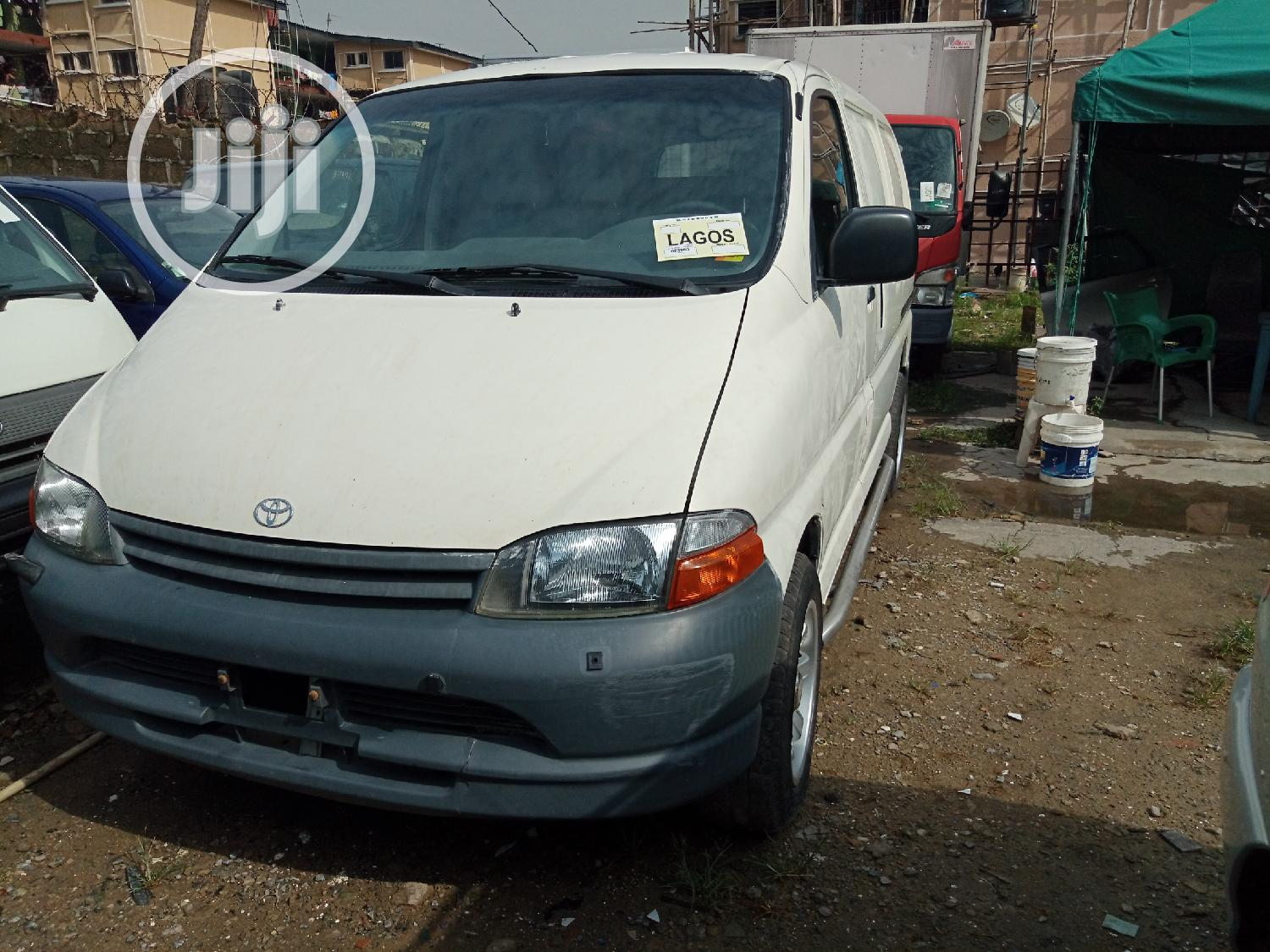 Foriegn Used Toyota Laugadge Bus | Buses & Microbuses for sale in Ajah, Lagos State, Nigeria